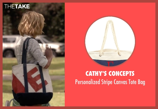 Cathy's Concepts white bag from Modern Family seen with Claire Dunphy (Julie Bowen)