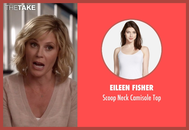 Eileen Fisher white top from Modern Family seen with Claire Dunphy (Julie Bowen)
