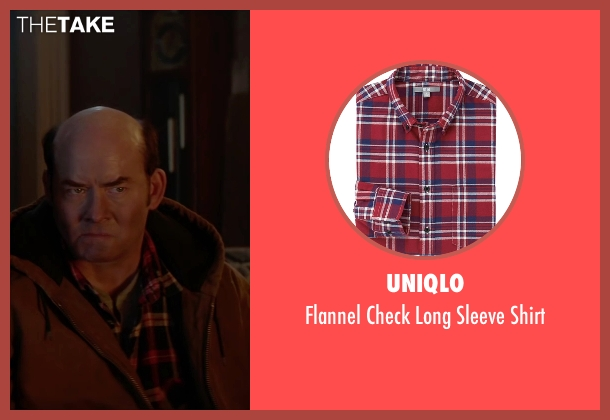 Uniqlo red shirt from Krampus seen with David Koechner (Howard)