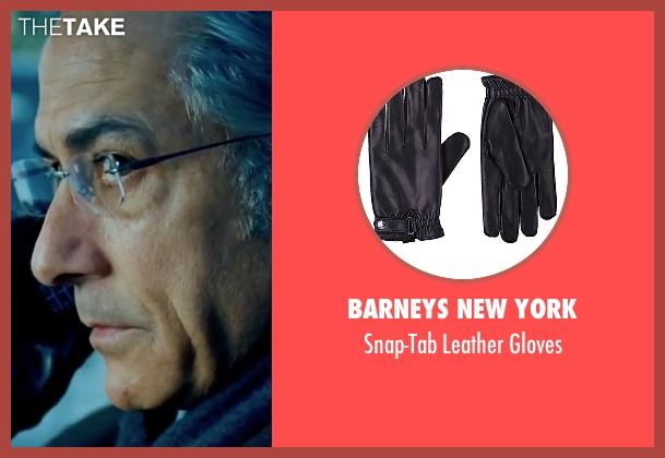 Barneys New York black gloves from The Bourne Ultimatum seen with David Strathairn (Noah Vosen)