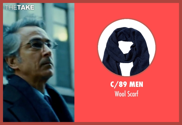 C/89 Men blue scarf from The Bourne Ultimatum seen with David Strathairn (Noah Vosen)