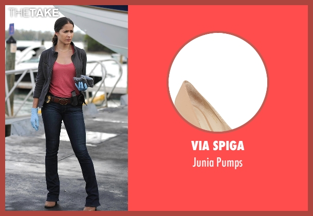 Via Spiga beige pumps from Rosewood seen with Det. Annalise Villa (Jaina Lee Ortiz)