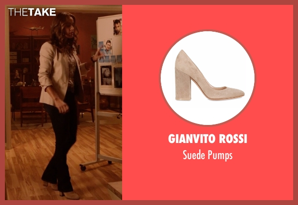 Gianvito Rossi   beige pumps from Rosewood seen with Det. Annalise Villa (Jaina Lee Ortiz)