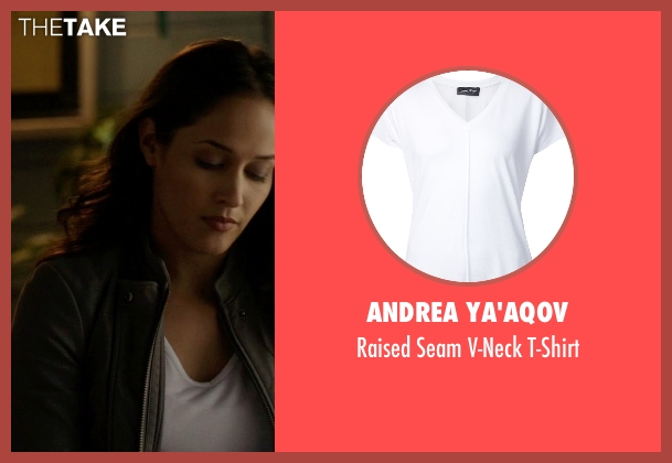 Andrea Ya'aqov white t-shirt from Rosewood seen with Det. Annalise Villa (Jaina Lee Ortiz)