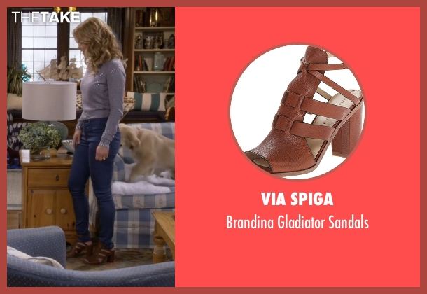 Via Spiga brown sandals from Fuller House seen with D.J. Tanner-Fuller (Candace Cameron Bure)