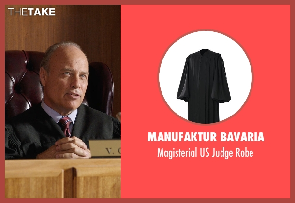 Manufaktur Bavaria robe from Get Hard seen with Elliott Grey (Judge)