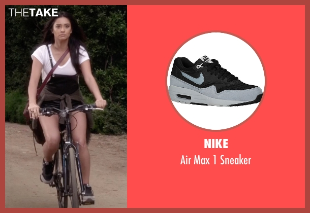 Nike black sneaker from Pretty Little Liars seen with Emily Fields (Shay Mitchell)
