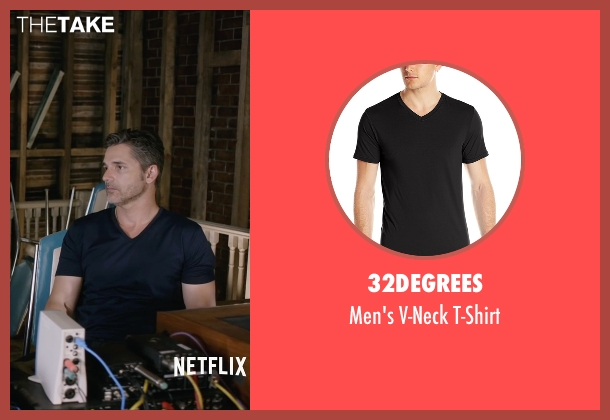 32Degrees black t-shirt from Special Correspondents seen with Eric Bana (Frank Bonneville)
