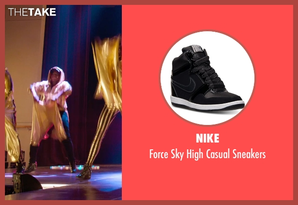 Nike black sneakers from Pitch Perfect 2 seen with Ester Dean (Cynthia-Rose Adams)