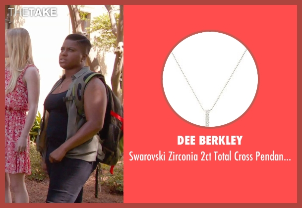 Dee Berkley silver necklace from Pitch Perfect 2 seen with Ester Dean (Cynthia-Rose Adams)