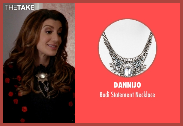 Dannijo silver necklace from Scream Queens seen with Gigi Caldwell (Nasim Pedrad)