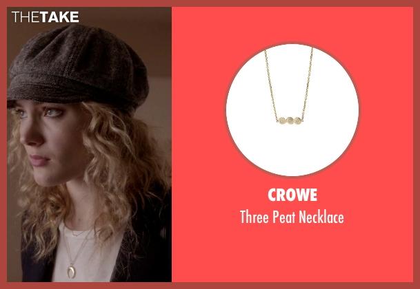 Crowe gold necklace from Scream Queens seen with Grace Gardner (Skyler Samuels)