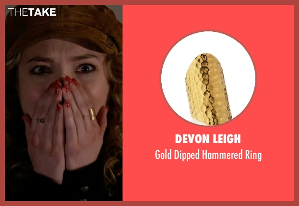 Devon Leigh gold ring from Scream Queens seen with Grace Gardner (Skyler Samuels)
