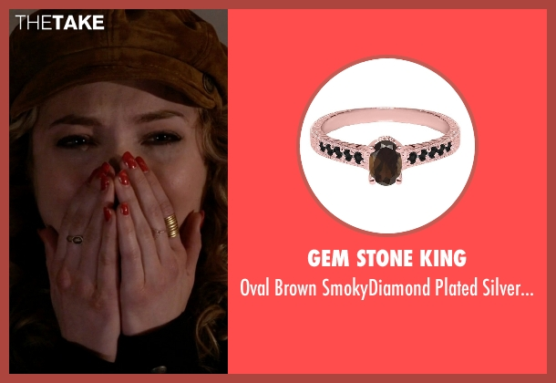 Gem Stone King gold ring from Scream Queens seen with Grace Gardner (Skyler Samuels)