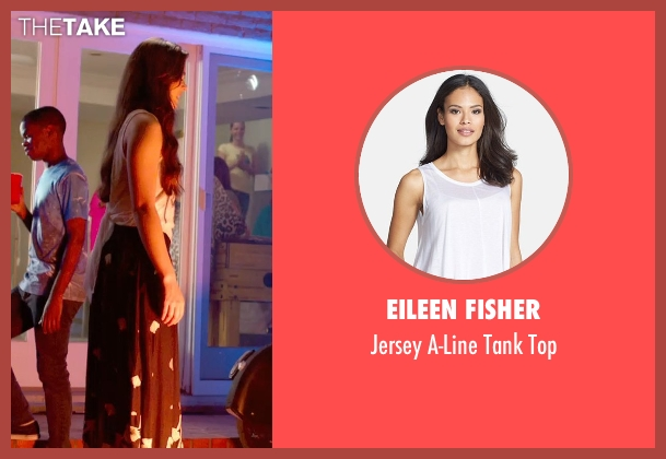 Eileen Fisher white top from Pitch Perfect 2 seen with Hailee Steinfeld (Emily Hobbs)