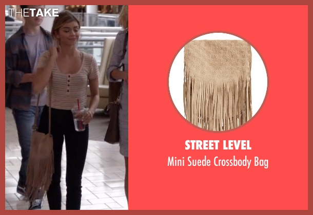 Street Level beige bag from Modern Family seen with Haley Dunphy (Sarah Hyland)