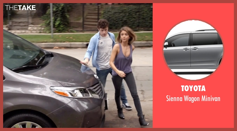 Toyota minivan from Modern Family seen with Haley Dunphy (Sarah Hyland)