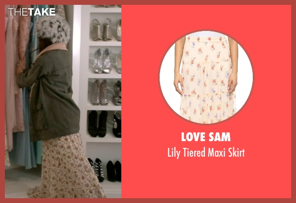 Love Sam pink skirt from Scream Queens seen with Hester (Lea Michele)