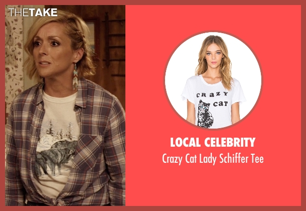 Local Celebrity white tee from Unbreakable Kimmy Schmidt seen with Jacqueline Voorhes (Jane Krakowski)