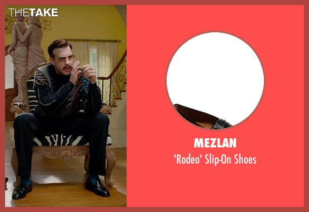 Mezlan black shoes from Masterminds seen with Jason Sudeikis (Mike McKinney)