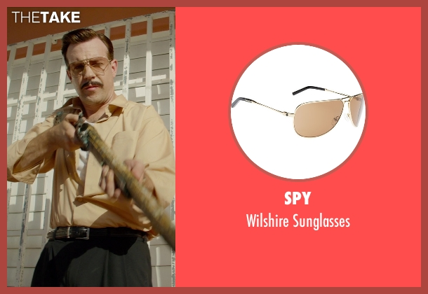 Spy gold sunglasses from Masterminds seen with Jason Sudeikis (Mike McKinney)