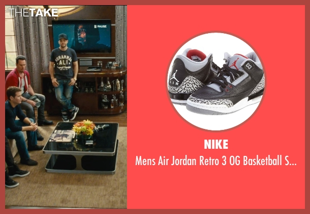 Nike black shoes from Entourage seen with Jerry Ferrara (Turtle)