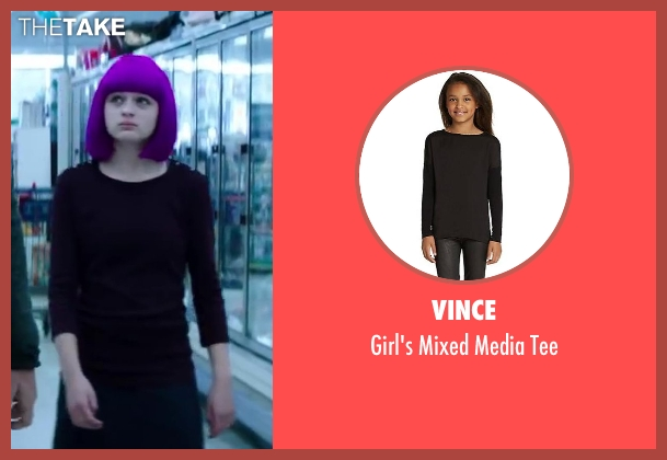 Vince black tee from Wish I Was Here seen with Joey King (Grace)