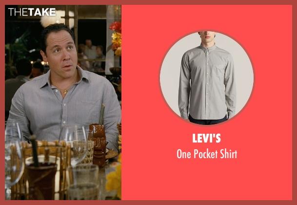 Levi's gray shirt from Couple's Retreat seen with Jon Favreau (Joey)