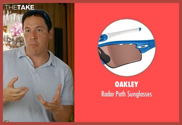 Oakley orange sunglasses from Couple's Retreat seen with Jon Favreau (Joey)