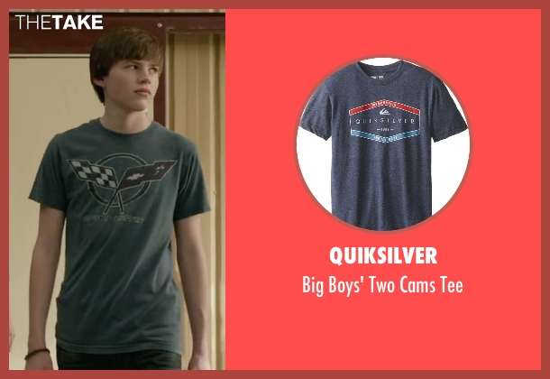 Quiksilver gray tee from Max seen with Josh Wiggins (Justin Wincott)