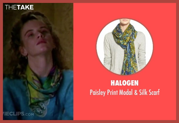 Halogen green scarf from Christmas Vacation seen with Juliette Lewis (Audrey)
