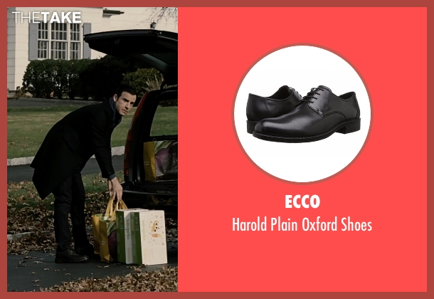 Ecco black shoes from The Girl on the Train seen with Justin Theroux (Tom Watson)