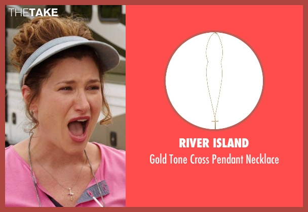 River Island gold necklace from We're the Millers seen with Kathryn Hahn (Edie Fitzgerald)