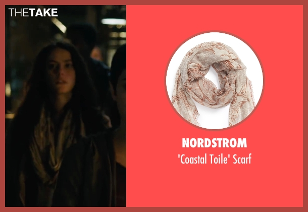 Nordstrom beige scarf from Maze Runner: The Scorch Trials seen with Kaya Scodelario (Teresa)