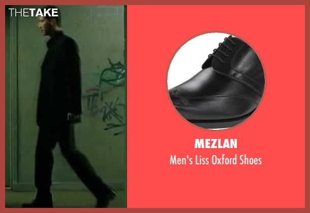 Mezlan black shoes from The Matrix seen with Keanu Reeves (Neo)