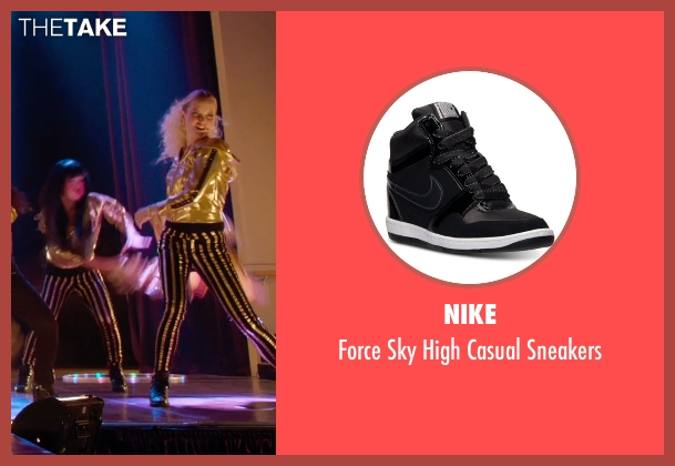 Nike black sneakers from Pitch Perfect 2 seen with Kelley Jakle (Jessica)