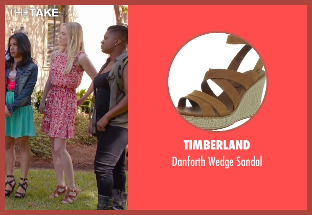 Timberland brown sandal from Pitch Perfect 2 seen with Kelley Jakle (Jessica)
