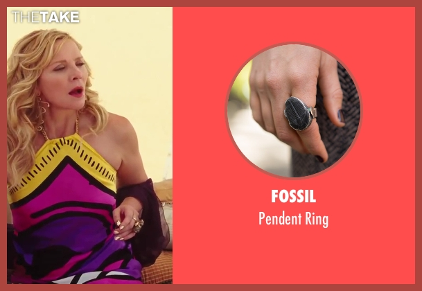 Fossil gold ring from Sex and the City 2 seen with Kim Cattrall (Samantha Jones)