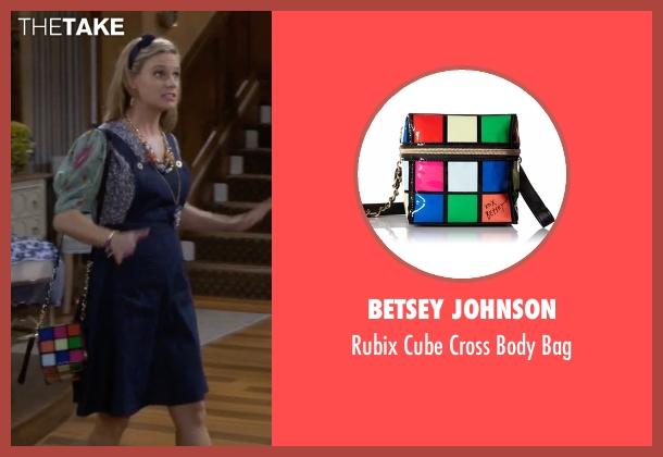 Betsey Johnson black bag from Fuller House seen with Kimmy Gibbler (Andrea Barber)