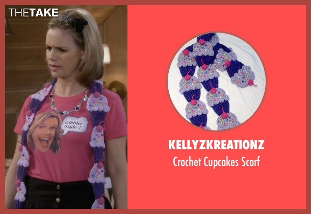 KellyzKreationz purple scarf from Fuller House seen with Kimmy Gibbler (Andrea Barber)