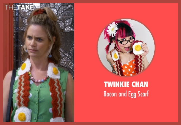 Twinkie Chan red scarf from Fuller House seen with Kimmy Gibbler (Andrea Barber)