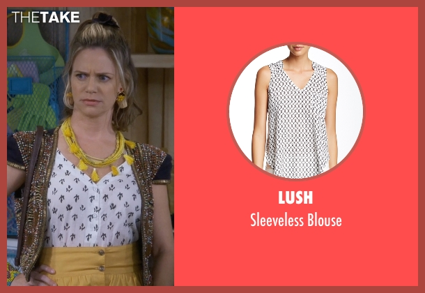 Lush white blouse from Fuller House seen with Kimmy Gibbler (Andrea Barber)