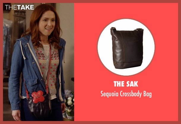 The Sak brown bag from Unbreakable Kimmy Schmidt seen with Kimmy Schmidt (Ellie Kemper)