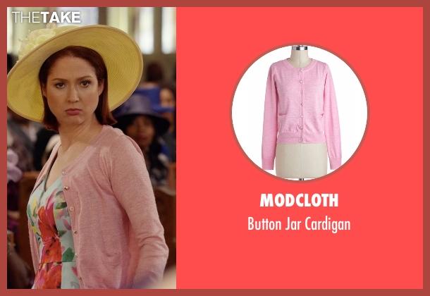Modcloth pink cardigan from Unbreakable Kimmy Schmidt seen with Kimmy Schmidt (Ellie Kemper)