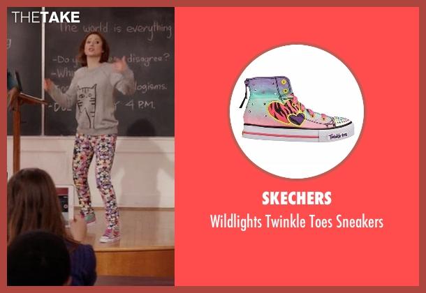 Skechers pink sneakers from Unbreakable Kimmy Schmidt seen with Kimmy Schmidt (Ellie Kemper)