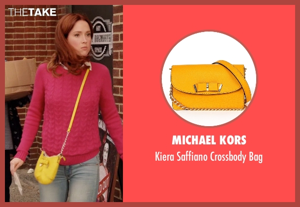 Michael Kors yellow bag from Unbreakable Kimmy Schmidt seen with Kimmy Schmidt (Ellie Kemper)
