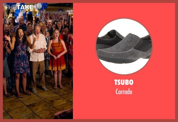 Tsubo gray carrado from Dolphin Tale 2 seen with Kris Kristofferson (Reed Haskett)