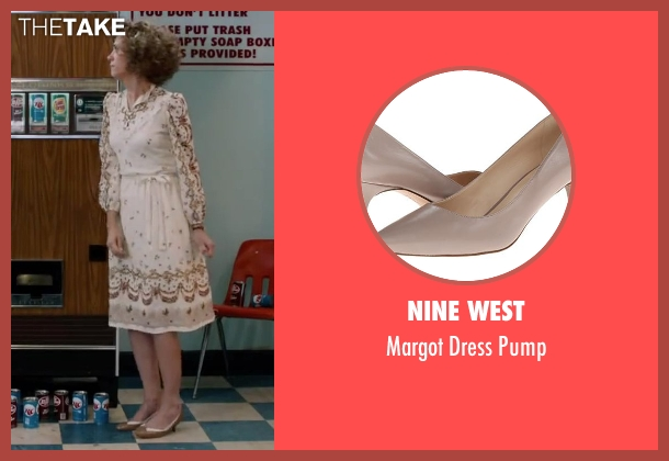 Nine West beige pump from Anchorman 2: The Legend Continues seen with Kristen Wiig (Chani Lastnamé)