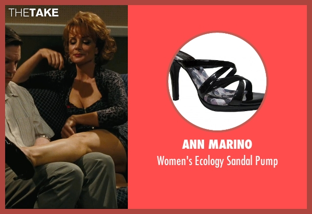 Ann Marino black pump from Hall Pass seen with Kristin Carey (Aunt Meg)