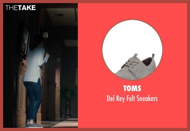 Toms gray sneakers from The Boy seen with Lauren Cohan (Greta)